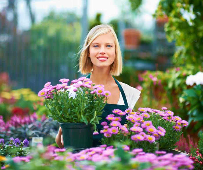 Флорист для цветочного магазина