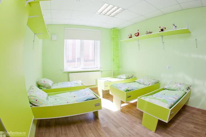 Спальня в частном детском саду