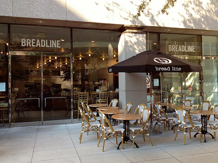 Открытие кафе с секцией на улице с большой проходимостью