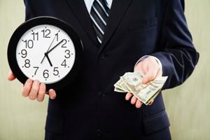 человек с часами и долларами