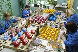 Фабрика по производству елочных украшений